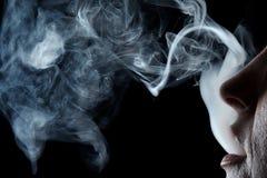 Mond met rook royalty-vrije stock afbeelding