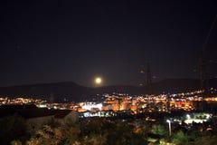 Mond in Mostar Stockfotos