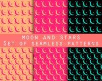 Mond und Sterne Gesetzte nahtlose Muster das Muster für Tapete, Bettwäsche, Fliesen, Gewebe, Hintergründe lizenzfreie abbildung