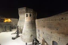 Mondavio (Marsen, Italië) 's nachts Stock Afbeeldingen