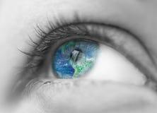 Monde dans l'oeil Image libre de droits