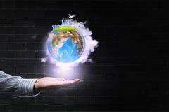 Monde entier dans des mains Image libre de droits
