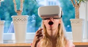 Monde futuriste de cyber de réalité virtuelle Images stock