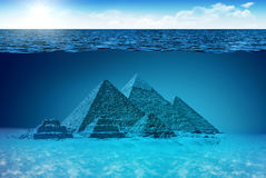 Monde inconnu des pyramides illustration stock