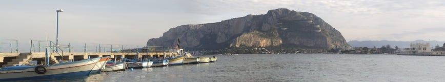 Mondello Hafen Stockfotos