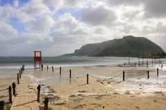 Mondello, spiaggia romantica & vista sul mare del cielo immagini stock