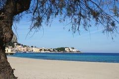Mondello strand i Sicilien Arkivfoto