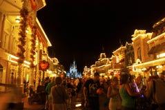 Mondo di Disney alla notte Fotografie Stock Libere da Diritti