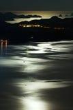 Mondschein durch das Meer Lizenzfreie Stockfotografie