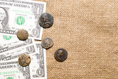 Moneda antigua con las notas del retrato y del dólar sobre el despido Imagen de archivo libre de regalías