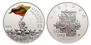 Moneda conmemorativa de los litas de la circulación 50 Foto de archivo