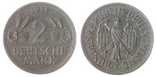 2 moneda de la marca 1951 aislada en el fondo blanco, Alemania Foto de archivo