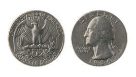 Moneda de los E.E.U.U. un cuarto aislada en blanco Imagen de archivo