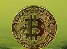 Moneda de oro del cryptocurrency de Bitcoin foto de archivo