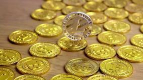 Moneda de plata de Litecoin almacen de metraje de vídeo