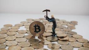 Moneda del bitcoin del oro almacen de video