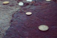 Moneda dos de Macedonia denar en el fondo de piedra Depi de la foto Imagenes de archivo