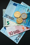 Moneda europea, billetes de banco euro y monedas Fotografía de archivo