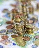 Moneda europea (billetes de banco y monedas) Imágenes de archivo libres de regalías