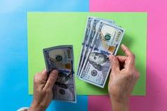 Moneda norteamericana: Dólar Gastos indirectos de la persona mayor que llevan a cabo cuentas