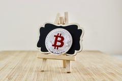 Moneda roja del bitcoin Imagen de archivo