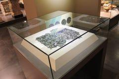 Monedas antiguas de diversas épocas del museo arqueológico Turquía de Alanya foto de archivo libre de regalías