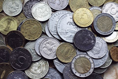 Monedas viejas de los países diferentes imagen de archivo