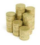 Monedas de libra inglesas empiladas Imagen de archivo libre de regalías