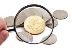 Monedas de los E.E.U.U. que magnifican Fotos de archivo