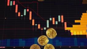 Monedas de oro, bitcoins en un fondo de gráficos financieros brillantes primer de los gráficos de negocio Cryptocurrency virtual stock de ilustración