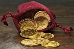 Monedas de oro europeas imagen de archivo libre de regalías