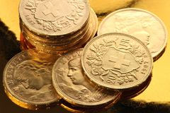 Monedas de oro suizas Fotos de archivo libres de regalías