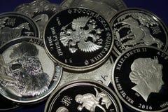Monedas de plata falsas foto de archivo