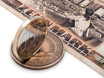Monedas de RDA (RDA) y de la unión europea. Imagen de archivo