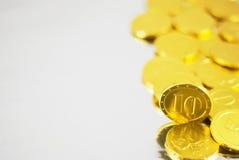 Monedas del chocolate del oro Fotos de archivo