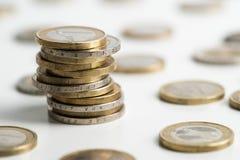 Monedas euro empiladas Foto de archivo