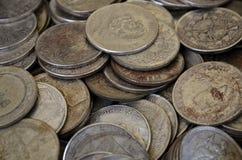 Monedas oxidadas antiguas Foto de archivo libre de regalías
