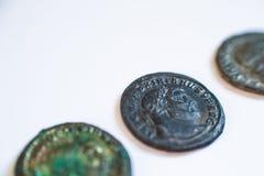 Monedas romanas Monedas viejas raro histórico Imágenes de archivo libres de regalías