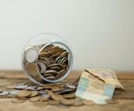 Monedas ucranianas y pobreza de las demostraciones de los hryvnas Imagenes de archivo
