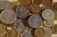 Monedas viejas del nordic y Austria y schelli alemán y británico Foto de archivo libre de regalías