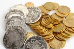 Monedas viejas del oro y de la plata Imágenes de archivo libres de regalías