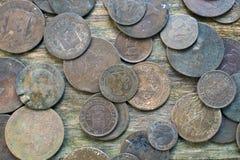 Monedas viejas mezcladas fotografía de archivo libre de regalías