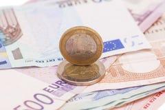 Monedas y billetes de banco euro del dinero Imagenes de archivo