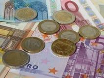 Monedas y billetes euro Fotos de archivo libres de regalías
