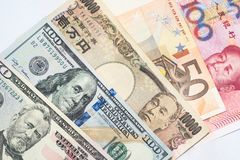 Monedas y conceptos comerciales del intercambio de dinero Pila de diverso imagenes de archivo