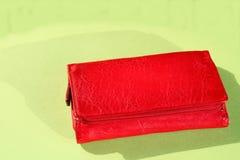 Monedero de cuero rojo Fotografía de archivo libre de regalías