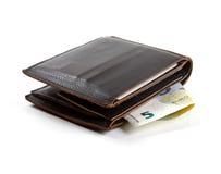 Monedero del cuero de Brown con el dinero euro Fotos de archivo libres de regalías