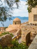 Monemvasia, ideia tradicional das casas de pedra e das vistas Fotos de Stock