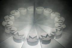 Monero Crypto valutasymbol på spegeln och som täcker i rök royaltyfria foton