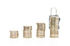 monet pojęcia ręk pieniądze stosu chronienia oszczędzanie Obraz Royalty Free